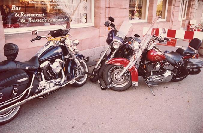 Hoplåsta Harleys i Colmar